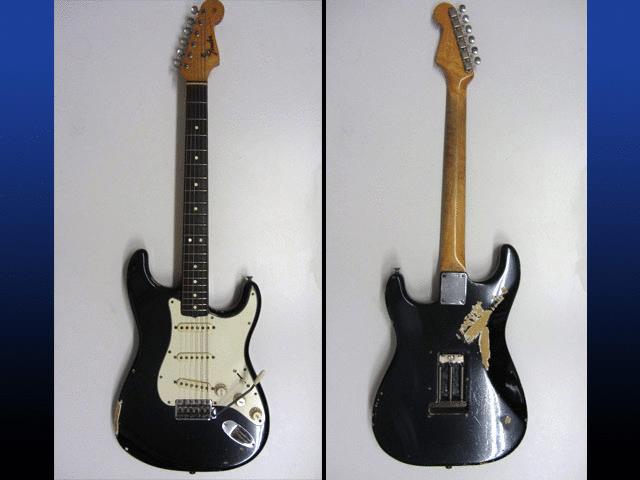 73f8ab915401 Это стратокастер 1968 года выпуска, форма потертостей лака на этой гитаре  известна всем фанатам музыканта по всему миру.